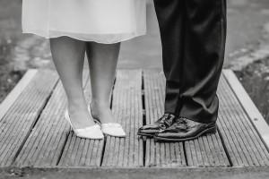 Hochzeit, Hochzeitsfotografie, Astrid Ebert Fotografie, Hochzeitfotograf Aachen, Kohilbri Aachen, Park, Schuhe