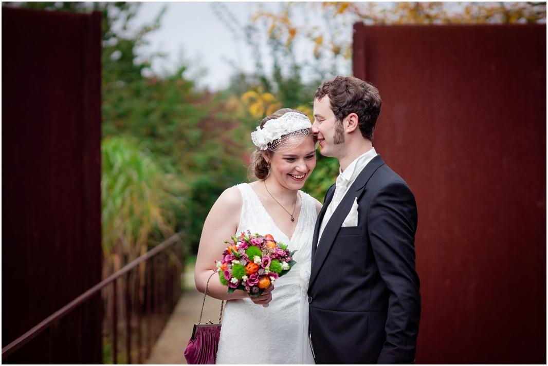 ungestellte Hochzeitsbilder_Hochzeit_Jülich_Brückenkopfpark_Zitadelle_Hochzeitsfotografie_Hochzeitsreportage_Astrid Ebert Fotografie_0001