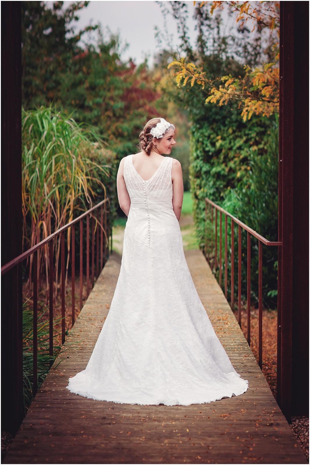 Brautkleid_Hochzeit_Jülich_Brückenkopfpark_Zitadelle_Hochzeitsfotografie_Hochzeitsreportage_Astrid Ebert Fotografie_0001