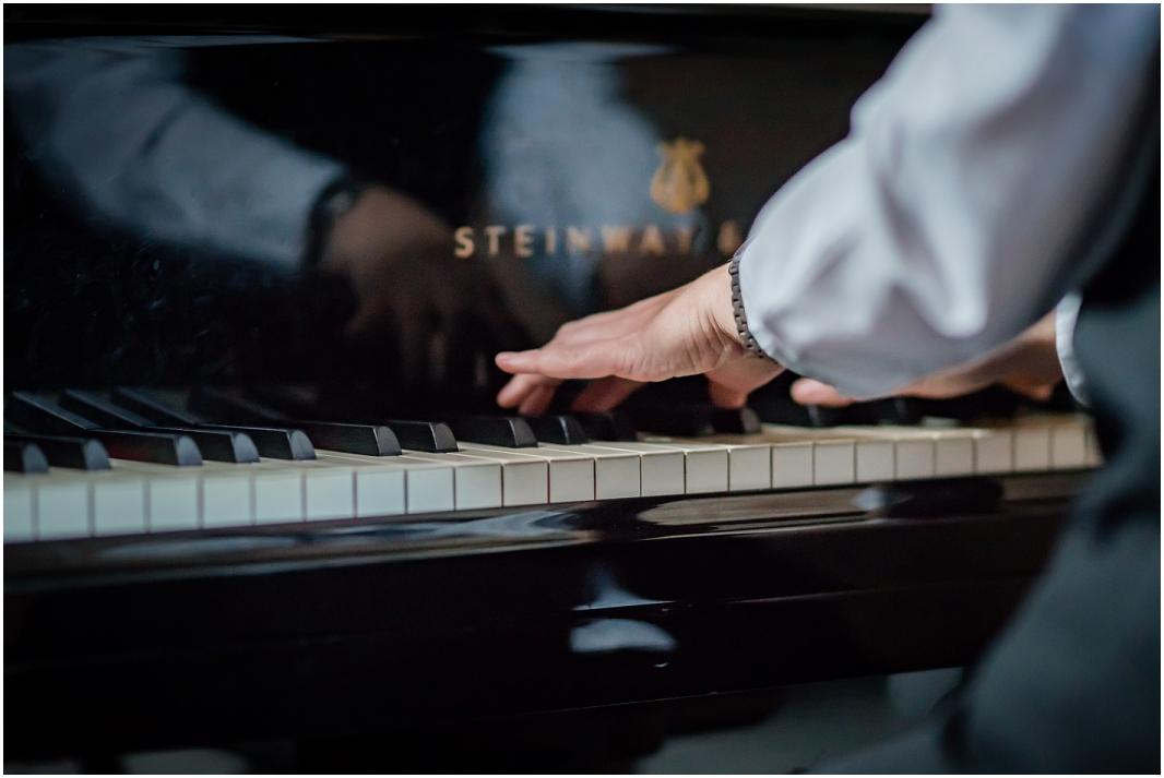 Pianobegleitung_Hochzeit_Jülich_Brückenkopfpark_Zitadelle_Hochzeitsfotografie_Hochzeitsreportage_Astrid Ebert Fotografie_0001