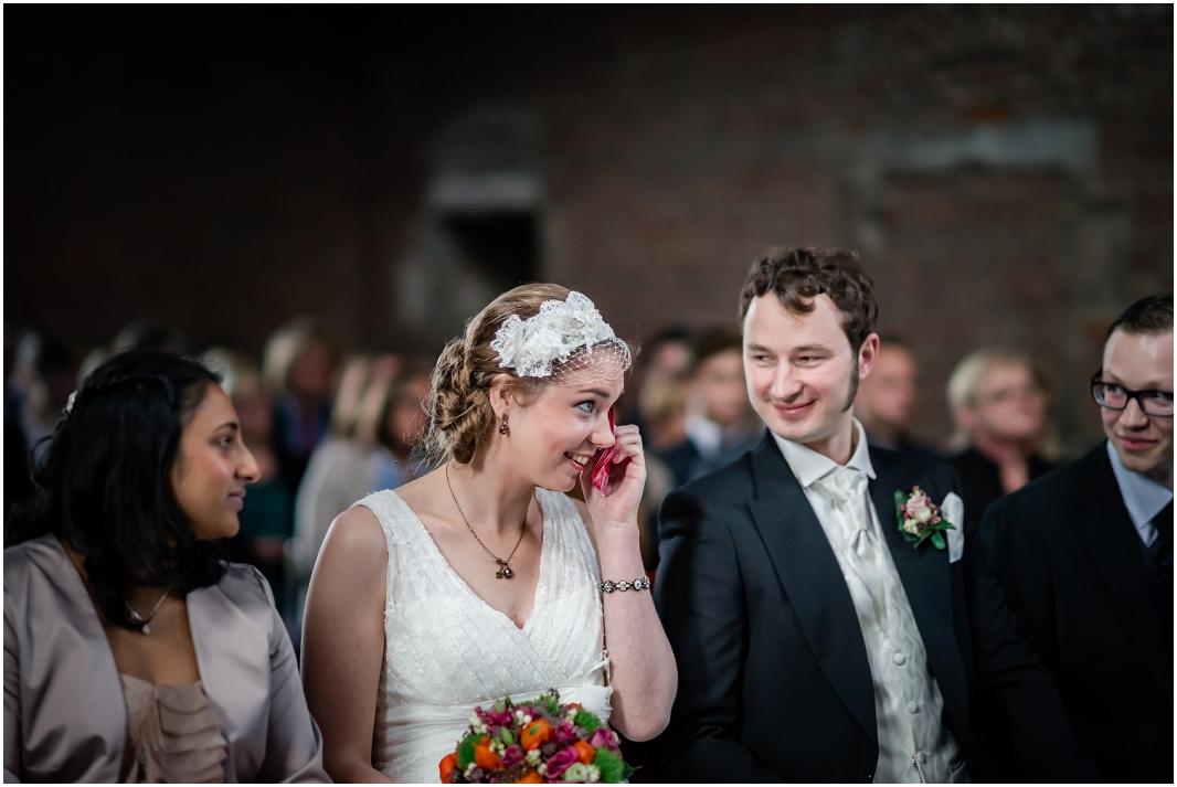 echte Gefühle_Hochzeit_Jülich_Brückenkopfpark_Zitadelle_Hochzeitsfotografie_Hochzeitsreportage_Astrid Ebert Fotografie_0001