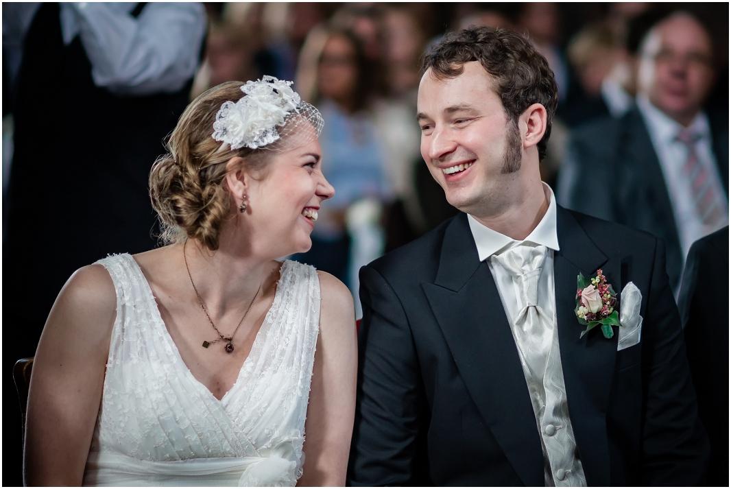 Glück_Emotionen_Hochzeit_Jülich_Brückenkopfpark_Zitadelle_Hochzeitsfotografie_Hochzeitsreportage_Astrid Ebert Fotografie_0001
