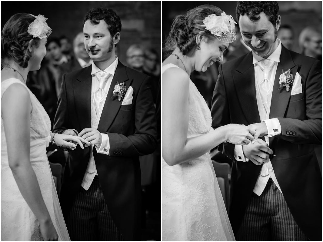 Ringtausch_Hochzeit_Jülich_Brückenkopfpark_Zitadelle_Hochzeitsfotografie_Hochzeitsreportage_Astrid Ebert Fotografie_0001