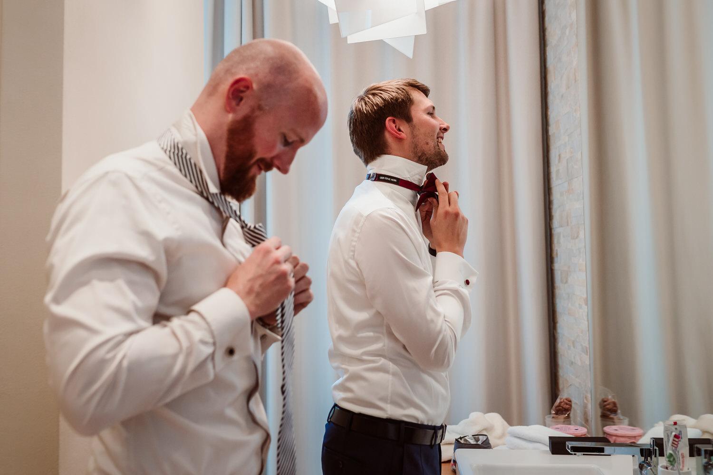 Getting Ready | Bräutigam | Hochzeitsfotograf Aachen