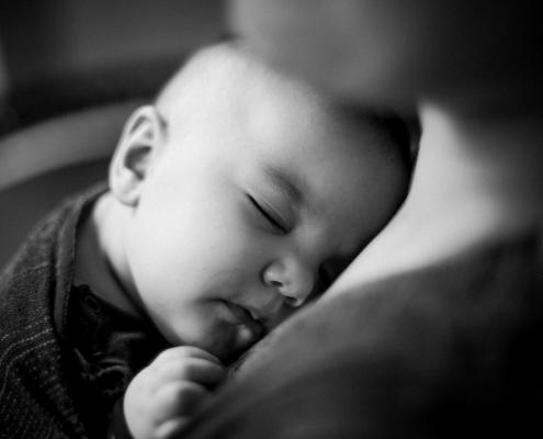 Schlafen im Tragetuch