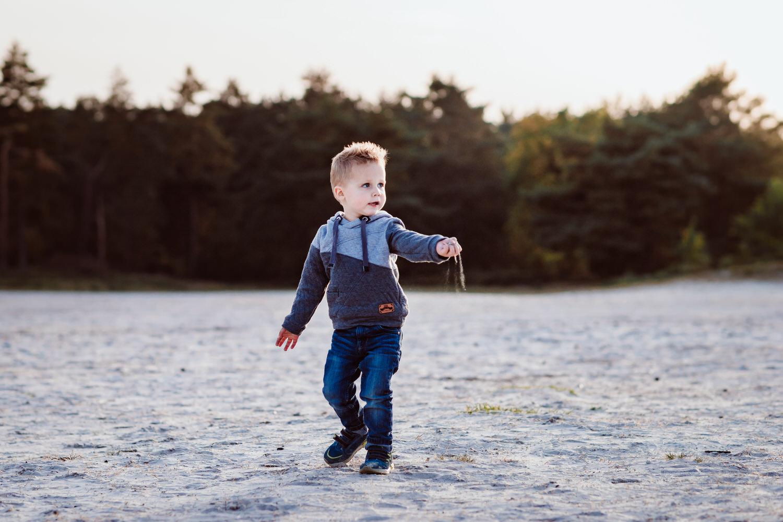 natürliche Kinderfotos in der Natur | Familienfotografie Aachen