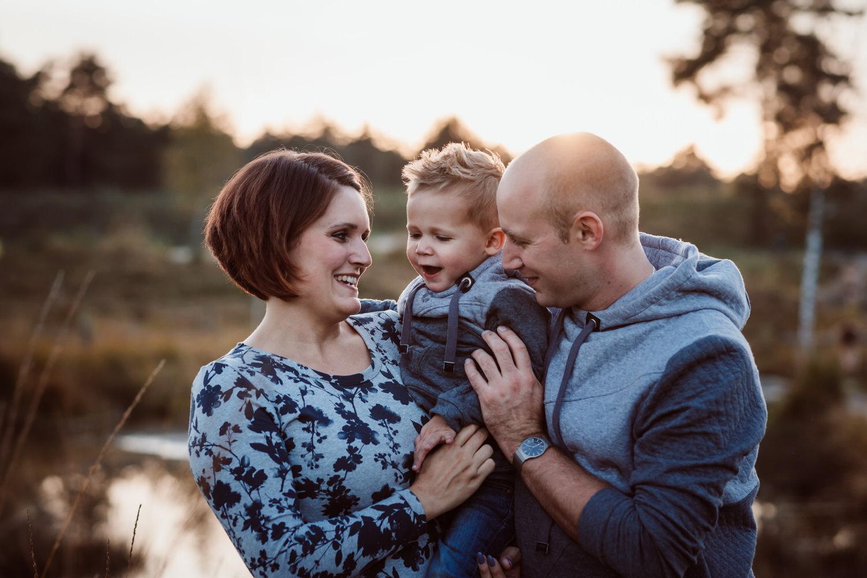 Familienbilder im Abendlicht | Familienfotografie Aachen