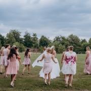 Gruppenbild Braut mit den Freundinnen